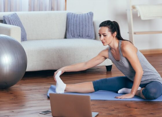 do-these-stretches-before-bed-for-improved-fitness