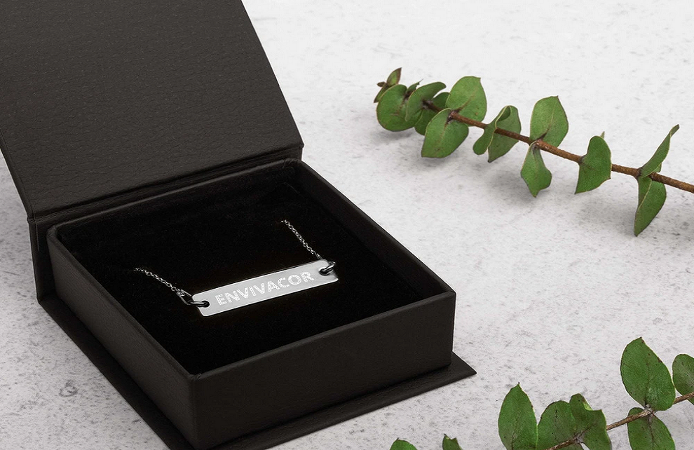 Gift Your Loved One A Name Silver Necklace And Let Them Flaunt It