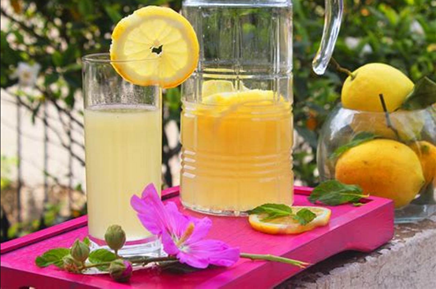 Why to start your day with a lemon juice